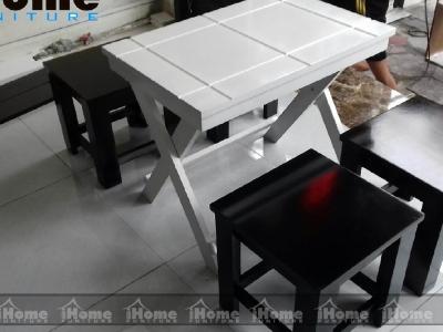 Hình ảnh Bàn ghế cafe gỗ chân gấp