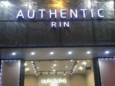 Hình ảnh Thiết kế Shop thời trang Authentic Rin 58 Lạch Tray