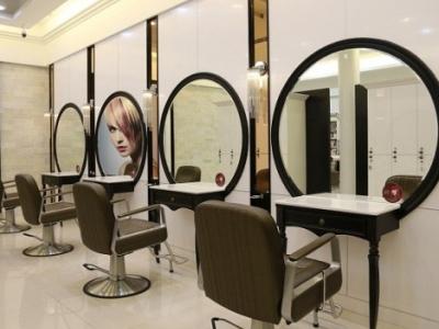 Hình ảnh 7 mẫu gương cắt tóc đẹp