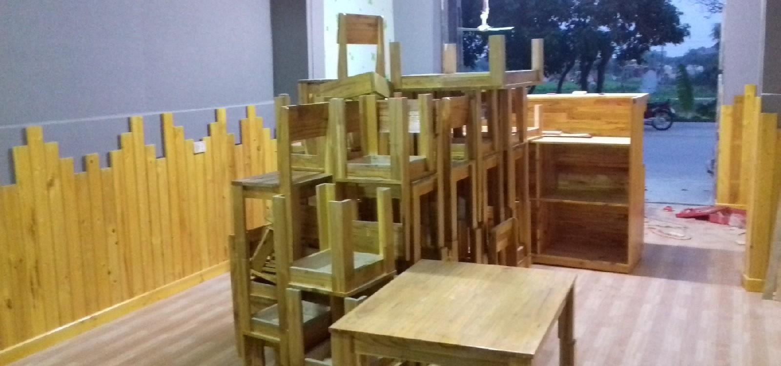 hình ảnh Lô hàng bàn ghế, quầy bar cho khách hàng tại Hải Dương