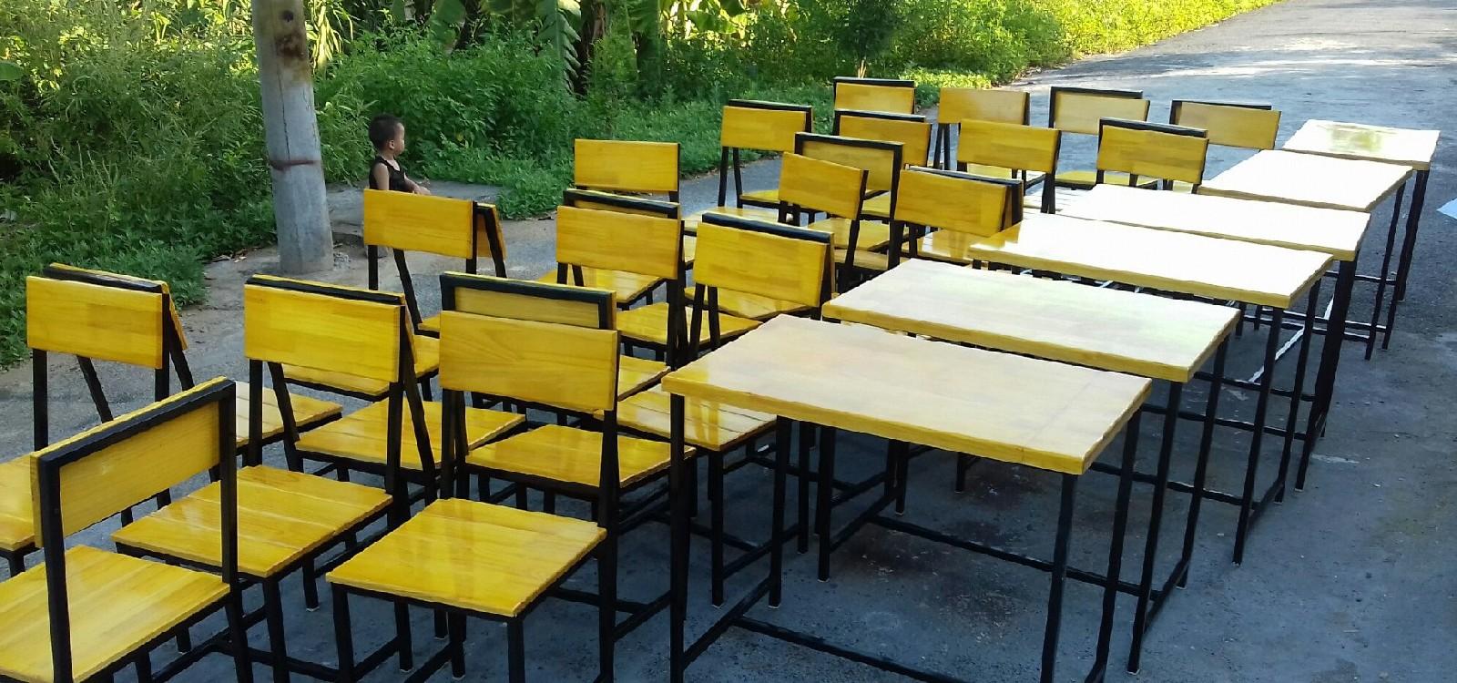 hình ảnh Thiết kế và sản xuất bàn ghế cafe tại Quảng Ninh